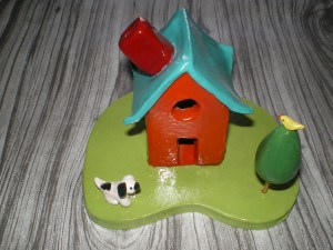 A little clay house!